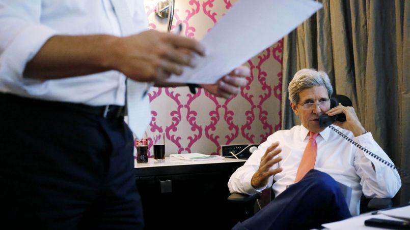 John Kerry, vendredi, en discussion avec les responsables israéliens depuis Le Caire.