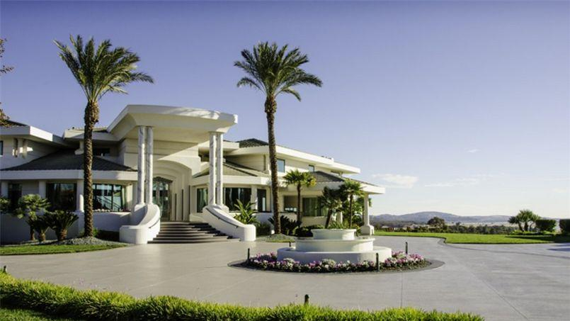 Eddie murphy n 39 arrive pas vendre sa maison for Plan maison californienne