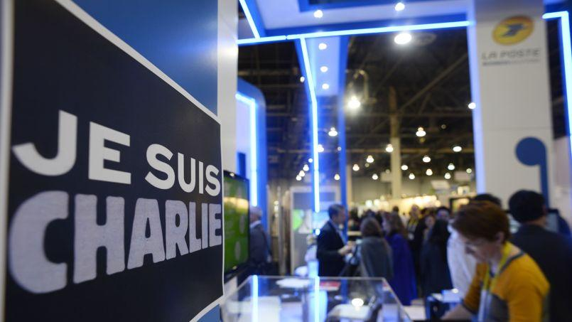 Je suis charlie travers le monde for Panneau stand salon