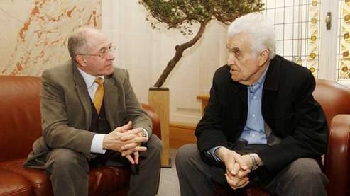 Rémi Brague (à gauche) et René Girard (à droite) : une discussion sur le rôle de la violence dans l'histoire. (Jean-Christophe Marmara/Le Figaro)