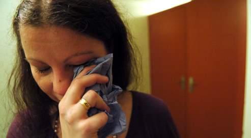 Selon l'Observatoire national de la délinquance, 330000 femmes vivent avec un conjoint violent.