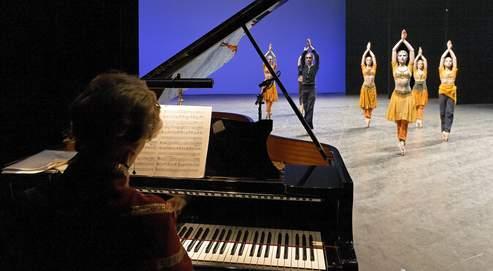 Le concours de danse de l'Opéra de Paris (Crédits photo : Sébastien Mathé / Opéra de Paris).