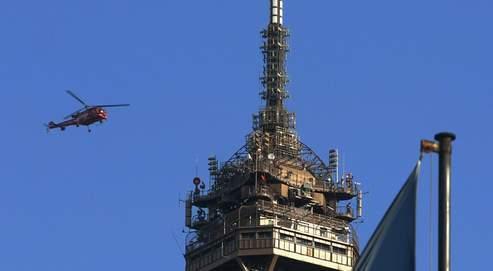 Pour assurer la sécurité la nuit de la Saint-Sylvestre, des hélicoptères sont mobilisés en Ile-de-France, dans le Rhône et les Alpes-Maritimes ou la région Nord.