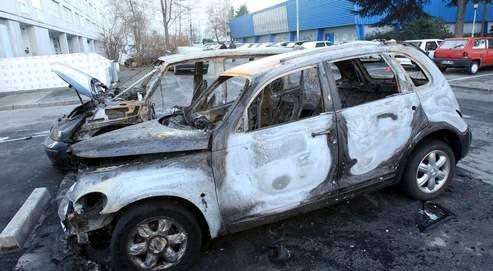 Avec une quarantaine de véhicules détruits, Nantes détient le record d'incendies criminels durant la nuit du réveillon.
