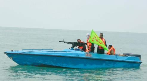Des vedettes iraniennes (ci-dessus, lors de manœuvres en 2006) ont approché ce week-end à moins de 200 mètres des navires américains dans le détroit d'Ormuz.
