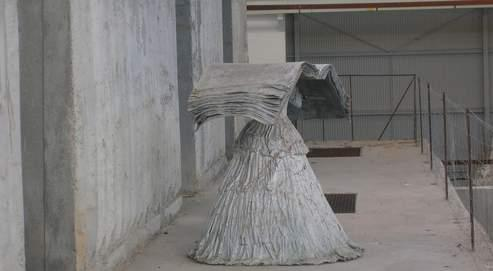 Une œuvre semblable à celle-ci aurait été dérobée dans l'atelier de l'artiste à Barjac.