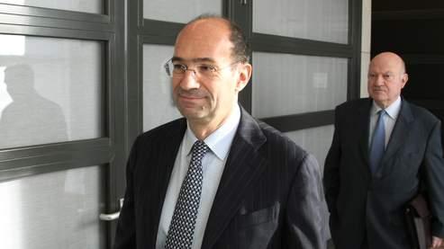 Sur les heures supplémentaires, Éric Woerth, ici avec André Santini, a rappelé : « nous mettrons en œuvre l'objectif fixé par Nicolas Sarkozy d'une majoration de 25% comme dans le privé».