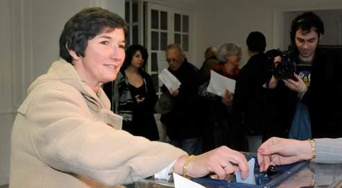 Valérie Fourneyron retrouve l'hôtel de ville qu'elle avait occupé avant 2001, lorsqu'elle était première adjointe de l'ancien maire PS de Rouen Yvon Robert.