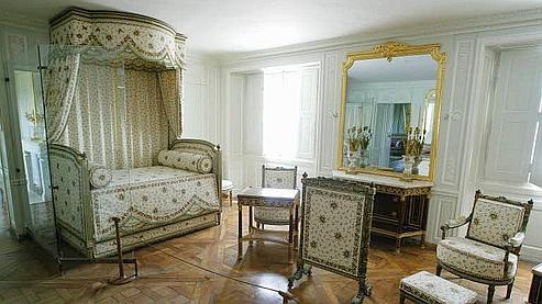 marie antoinette un mythe aux ench res. Black Bedroom Furniture Sets. Home Design Ideas