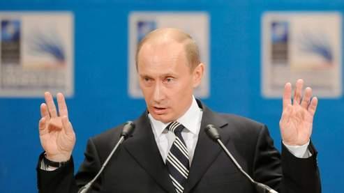 Vladimir Poutine, vendredi, à Bucarest. (AFP)