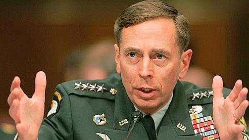 Le général américain David Petraeus, mardi, devant le congrès américain.