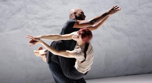 Sylvie Guillem et Akram Khan, la rencontre de deux virtuoses aux cultures et aux techniques différentes. (Tristram Kenton)