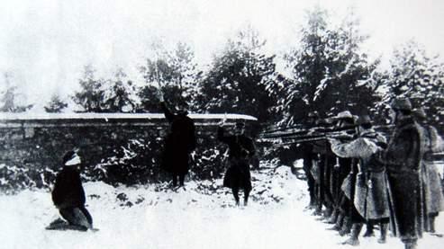 Exécution d'un mutin à Verdun en 1917 (Bibliothèque Nationale française)