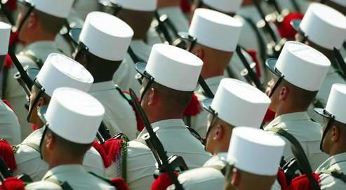 L'armée française (ici la Légion étrangère, lors d'un défilé du 14 juillet) ne pourra plus déployer que 30000 hommes sur les théâtres d'opérations extérieures, contre 50000 actuellement (Delort/Le Figaro)
