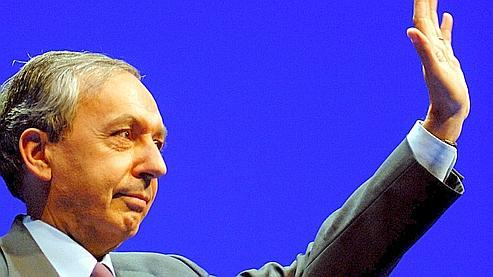Bruno Mégret en mars 2007 à Lyon, lors d'un meeting de Jean-Marie Le Pen.