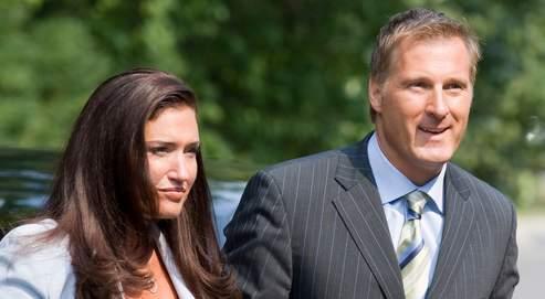 Maxime Bernier et son «amie de cœur», Julie Couillard, qui recense deux gangsters parmi ses anciens amants, en août 2007 à Ottawa.