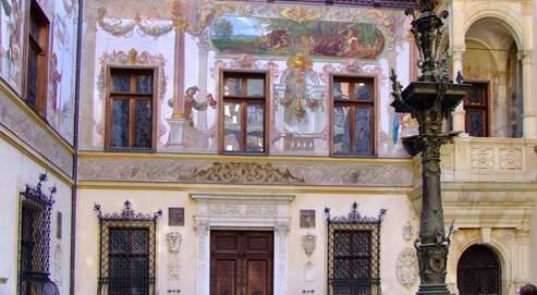 Depuis 1947 et après une longue restauration, la demeure royale est devenue un musée.