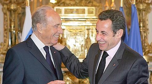 Shimon Pérès et Nicolas Sarkozy à l'Élysée, lors de la visite du président israélien en France en mars dernier.Tout Israël se bouscule pour assister au dîner que le chef de l'État hébreu doit offrir au couple présidentiel français lundi soir.