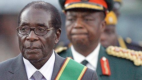Robert Mugabe, dimanche, lors de la cérémonie d'investiture.