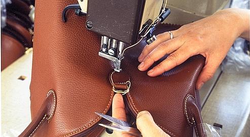 Longchamp emploie 750 personnes dans ses six ateliers de l'ouest de la France qui assurent les deux tiers de la production. DR