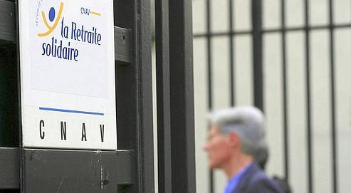 La Caisse nationale d'assurance-vieillesse p ublie un bilan peu glorieux des mesures instaurées pour retarder le départ en retraite.