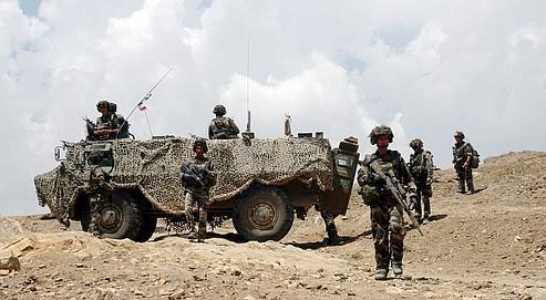 Des forces françaises patrouillent mardi dans le secteur de Kapisa.