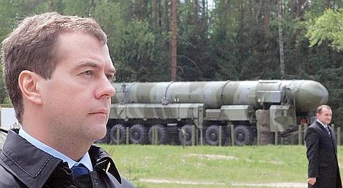 Dmitri Medvedev, le 15 mai dernier, lors de l'inspection d'un missile Topol.