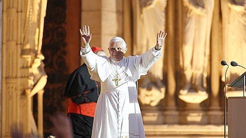 Benoît XVI : «l'ami de la France» séduit Paris