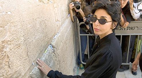 Après s'être rendue samedi sur l'esplanade des Mosquées, la ministre de la Justice a visité hierle Mémorial de la Shoah de Yad Vashem et le mur des Lamentations (notre photo).