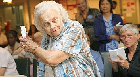 Wii Sport fait un tabac dans de nombreuses maisons de retraite françaises qui en équipent ses pensionnaires.