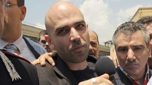 Roberto Saviano est sous protection policière depuis 2006, année où son livre «Gommora» a été publié en Italie. Malgré les menaces, il continue d'apparaître dans des débats à la télévision.