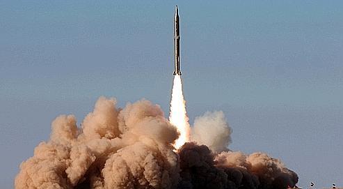 Mercredi, la télévision iranienne diffusait les images du lancement réussi d'un nouveau missile sol-sol. Selon Téhéran, ce missile d'une portée de 2000 kilomètres pourrait atteindre Israël, allié des États-Unis dans la région.