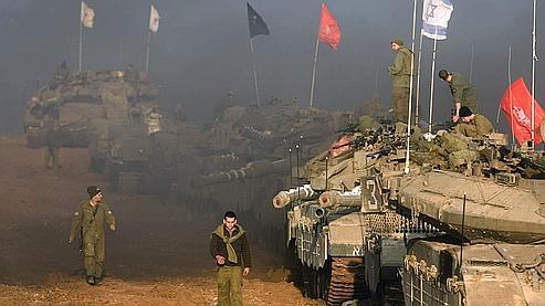 Des militaires israéliens près de la frontière avec la bande de Gaza, au sud d'Israël.