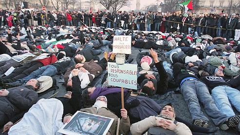 Démonstration de force des manifestants pro-Palestiniens samedi à Paris. (Pierre Verdy / AFP)