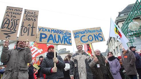 Nicolas Sarkozy a été accueilli à St Lô par des manifestants.
