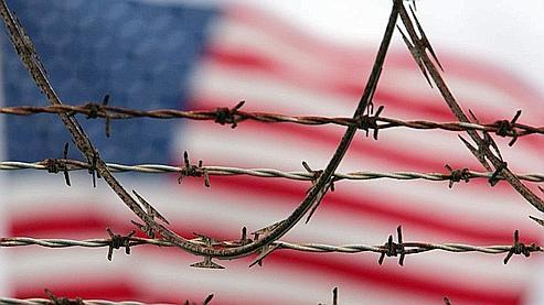 Quelque 245 détenus vivent encore dans la prison de Guantanamo, la plupart à l'isolement. (Linsley/AP)