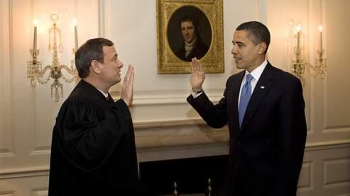 Cette seconde prestation de serment s'est réalisée sans cafouillage et sans Bible. Mardi, Barack Obama avait prêté serment sur la Bible d'Abraham Lincoln, son modèle en politique.