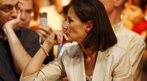 Martine Aubry a décidé de ne plus prendre à sa charge le contrat de l'attachée de presse de Ségolène Royal. N'ayant pas souhaité s'installer dans un bureau au siège du parti, l'ancienne candidate à la présidentielle loue des locaux boulevard Raspail.