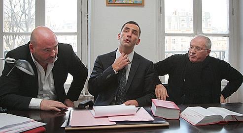 Les avocats d'Yvan Colonna, Pascal Garbarini, Gilles Simeoni et Antoine Sollacaro, ont annoncé, samedi, qu'ils demanderaient un renvoi.