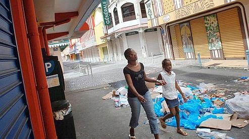 Paradoxalement, une nette majorité des Français de métropole (68%) considèrent la Guadeloupe comme un atout pour la France. (AFP/ANDRE)