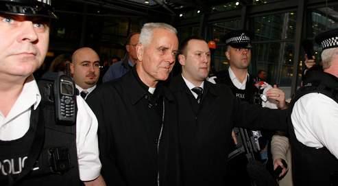 Expulsé d'Argentine en raison de ses thèses négationnistes, l'évêque britannique est arrivé mercredi à Londres.