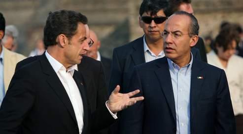 Selon l'Elysée, Nicolas Sarkozy a pu s'entretenir de «tous les dossiers, y compris du cas de Florence Cassez», avec le président mexicain Felipe Calderon (à droite).