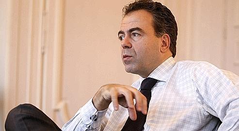 Depuis le début de l'année, une nouvelle réunion des conseillers Web du gouvernement a été mise sur pied, à l'initiativede Luc Chatel, le porte-parole du gouvernement.