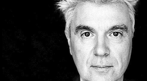 David Byrne présente en tournéeson nouvel album Everything That Happens Will Happen Today. (DR)
