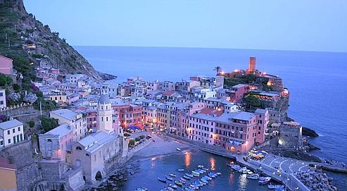 Vernazza, avec son port digne d'une carte postale est le lieu le plus charmant des Cinque Terre (Photo : Michael Pasini).