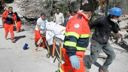 1.500 secouristes ont été dépéchés à L'Aquila, où a été localisé l'épicentre du séisme.