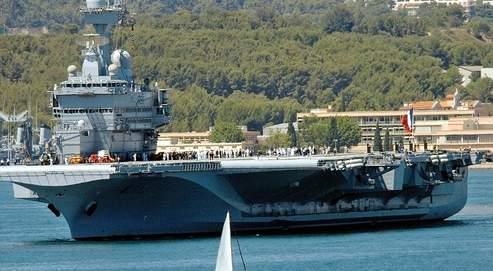 Le «Charles de Gaulle» reste en rade à Toulon