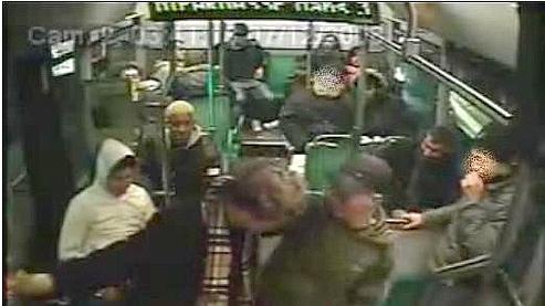 La victime agressée dans le bus témoigne