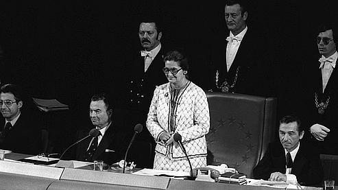 17 juillet 1979 : Simone Veil devient présidente du Parlement européen, après les premières élections des eurodéputés au suffrage universel. (Photo archive AFP)