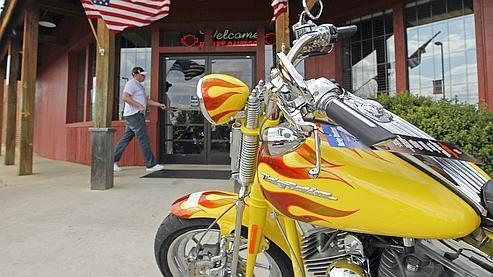 Harley-Davidson, touché par la crise, licencie